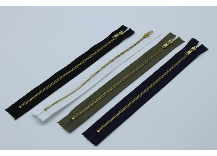 "Metal Zip - Closed End, Brass, Single Slider, 22 cm (8.7"") long"