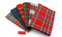 Red Christmas Tartan Fat Quarter Pack - 6 pieces of fabric size 50 cm x 72 cm plus matching thread